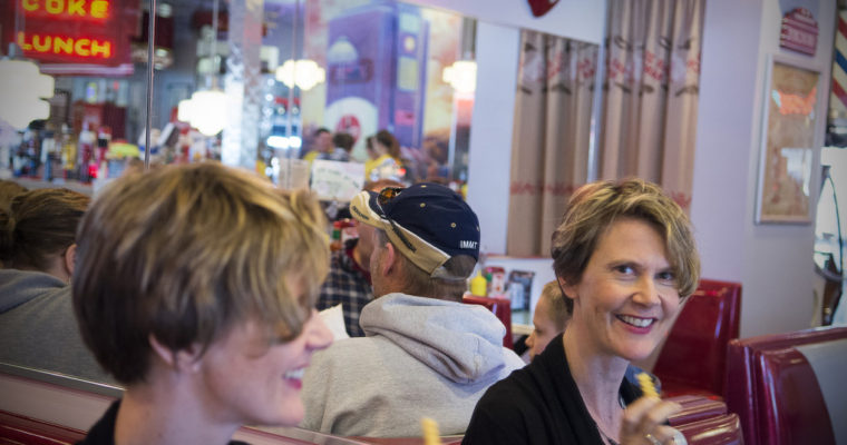 Nutcracker Family Restaurant: Quizzical '50s-style diner near Pataskala makes you smile