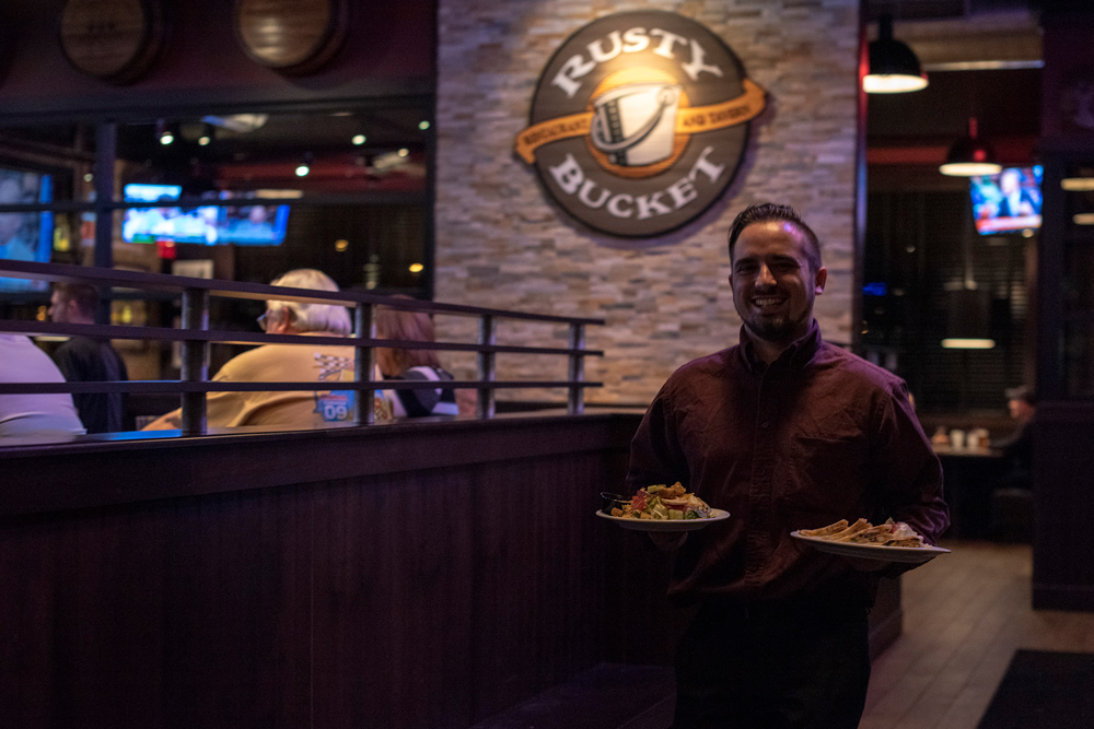 Rusty Bucket Restaurant & Tavern: Mike continues quest for tasty pork tenderloins in Midwest