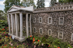 Hartman Rock Garden: Springfield back yard radiates with Depression-era folk art